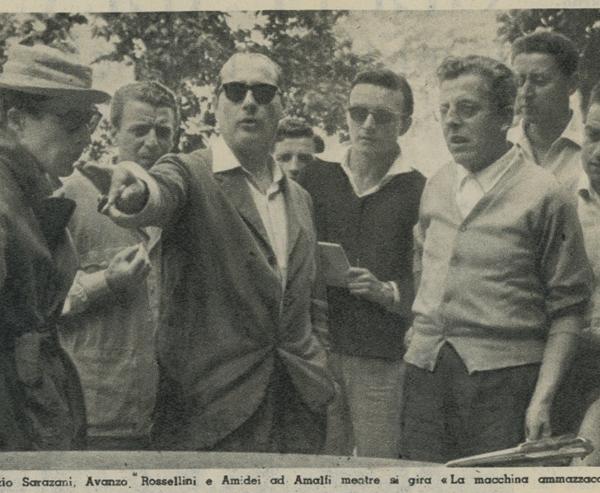 Fabrizio Sarazani, Renzo Avanzo, Roberto Rossellini e Sergio Amidei mentre si gira La macchina ammazzacattivi.
