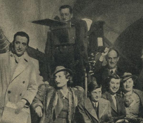 Francesca Bertini assiste alle riprese del film Partire di Amleto Palermi.